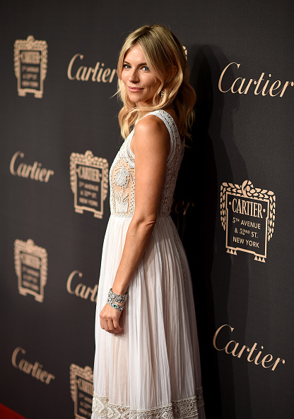Sienna Miller「The Cartier Fifth Avenue Grand Reopening Event」:写真・画像(9)[壁紙.com]