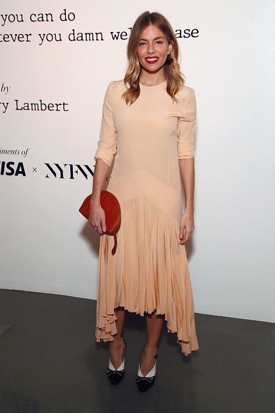 Sienna Miller「Visa x IMG Fashion Holiday Dinner」:写真・画像(16)[壁紙.com]