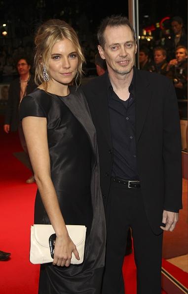 Alexander McQueen - Designer Label「BFI 51st London Film Festival: Interview Premiere - Inside」:写真・画像(2)[壁紙.com]