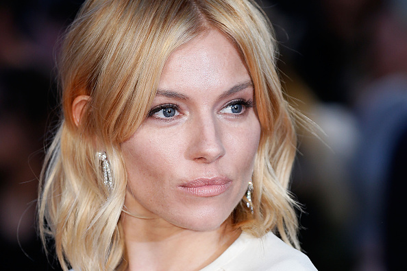 """Sienna Miller「""""High-Rise"""" - Red Carpet - BFI London Film Festival」:写真・画像(15)[壁紙.com]"""