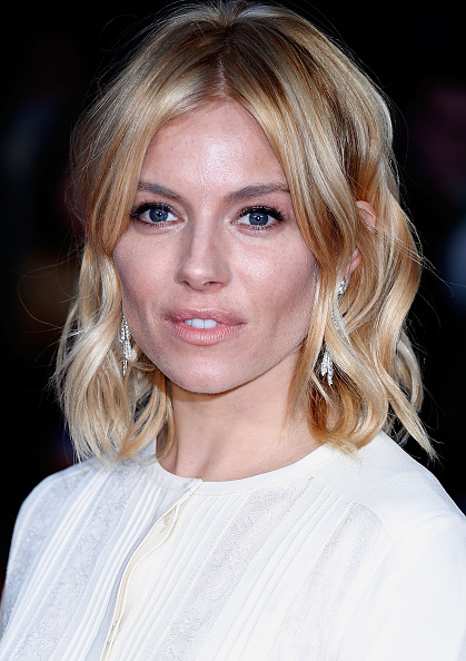 "Sienna Miller「""High-Rise"" - Red Carpet - BFI London Film Festival」:写真・画像(5)[壁紙.com]"