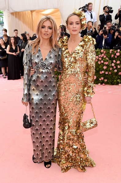 Sienna Miller「The 2019 Met Gala Celebrating Camp: Notes on Fashion - Arrivals」:写真・画像(14)[壁紙.com]