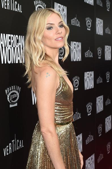 """Sienna Miller「Los Angeles Premiere of """"American Woman""""」:写真・画像(5)[壁紙.com]"""
