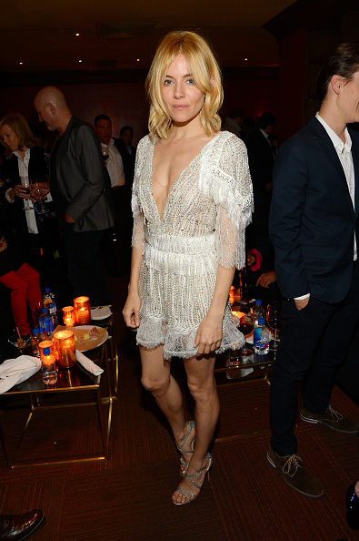 Sienna Miller「The New York Premiere Of BURNT, Presented By The Weinstein Company, Sassoregale Wine, Castello Cheese And FIJI Water」:写真・画像(16)[壁紙.com]