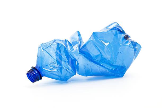 crushed blue plastic bottle:スマホ壁紙(壁紙.com)