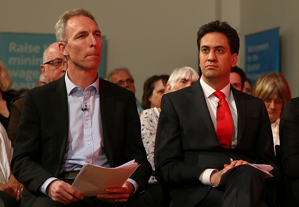 Three Quarter Length「Ed Miliband Completes A Day Campaigning Around The UK With A Glasgow Rally」:写真・画像(8)[壁紙.com]