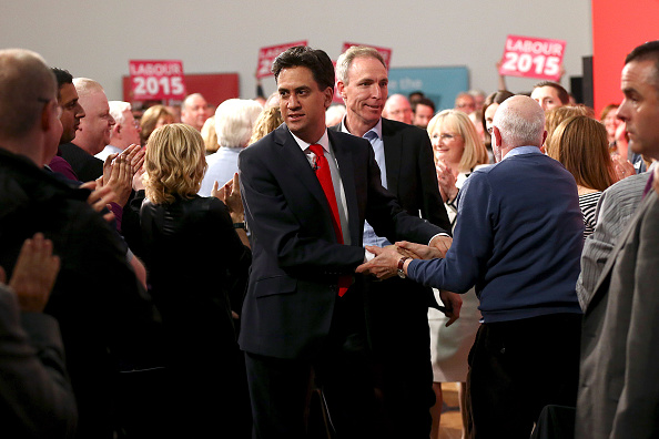 Three Quarter Length「Ed Miliband Completes A Day Campaigning Around The UK With A Glasgow Rally」:写真・画像(7)[壁紙.com]