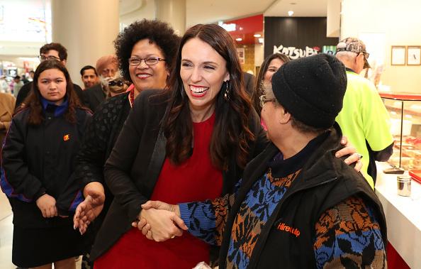 写真「Jacinda Ardern Campaigns On Last Day Before General Election」:写真・画像(17)[壁紙.com]