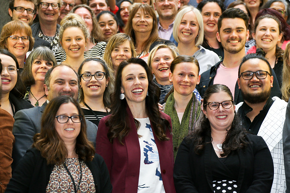 ������「Jacinda Ardern Presents New Provisional Labour Caucus As NZ Waits On Election Result」:写真・画像(4)[壁紙.com]