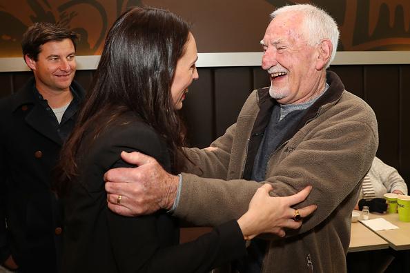 写真「Jacinda Ardern Campaigns On Last Day Before General Election」:写真・画像(16)[壁紙.com]