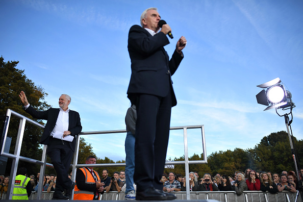 Shadow「Jeremy Corbyn Holds A Rally On The Eve Of The Labour Conference」:写真・画像(17)[壁紙.com]