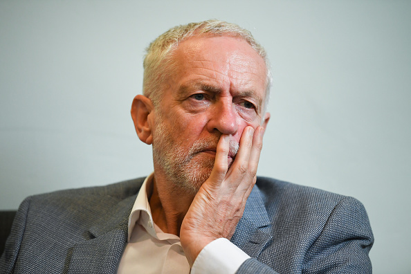 Jeremy Corbyn「Labour Leader Meets With Asylum Seekers Threatened With Eviciton」:写真・画像(9)[壁紙.com]