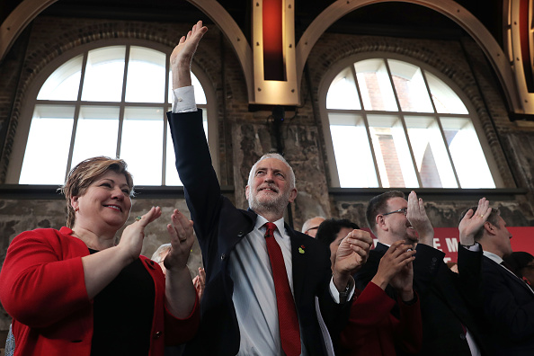 Shadow「Jeremy Corbyn Delivers General Election Campaign Speech」:写真・画像(11)[壁紙.com]