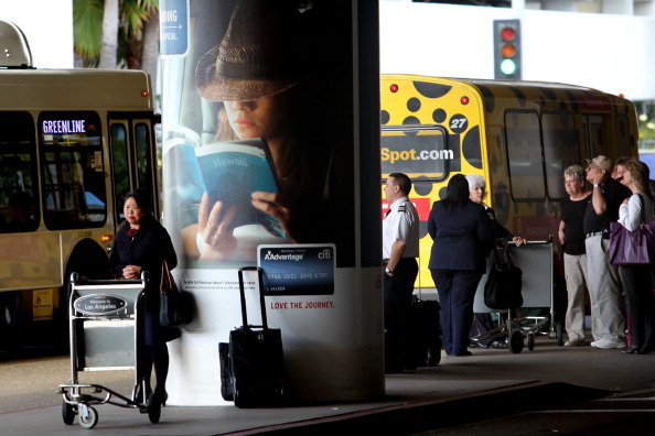 LAX Airport「Flight Delays Feared As Sequester Forces Air Traffic Controller Furloughs」:写真・画像(4)[壁紙.com]