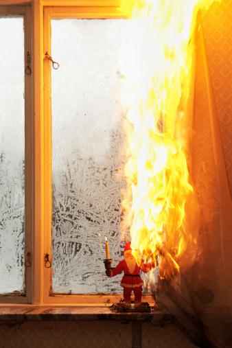 Inferno「Burning curtain at home」:スマホ壁紙(10)