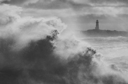 Sepia Toned「Rising Winter Surf」:スマホ壁紙(17)