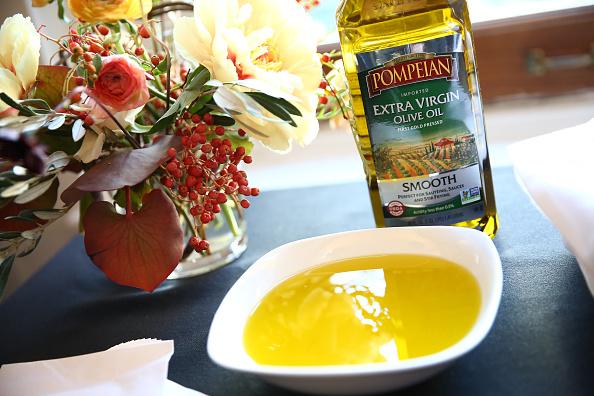 Olive Oil「Food Network Magazine Cooking School 2016」:写真・画像(8)[壁紙.com]