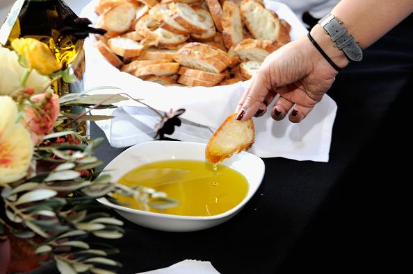 Olive Oil「Food Network Magazine Cooking School 2016」:写真・画像(7)[壁紙.com]