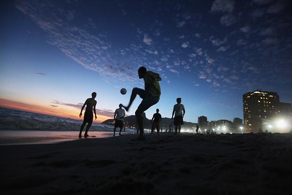 Soccer「Rio Revels During Carnival Celebration」:写真・画像(9)[壁紙.com]