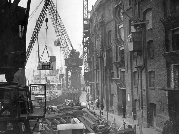 Pier「London Docks」:写真・画像(4)[壁紙.com]