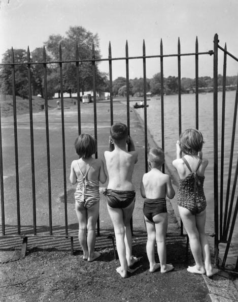 Keystone「Barred Bathers」:写真・画像(8)[壁紙.com]