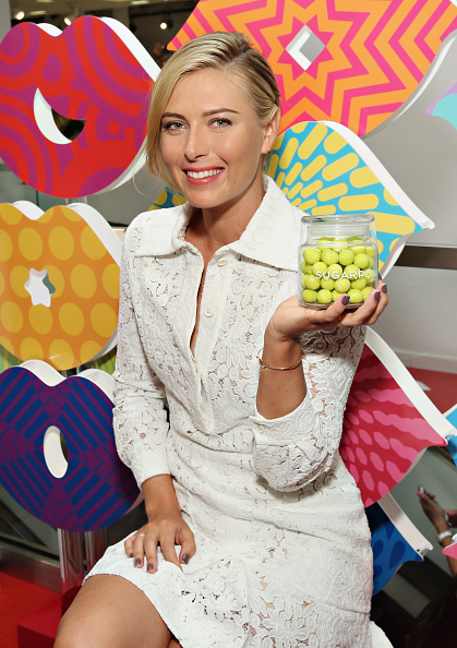 カメラ目線「Maria Sharapova Unveils New Sugarpova Pop-Up Shop At Bloomingdale's Flagship In NYC」:写真・画像(6)[壁紙.com]