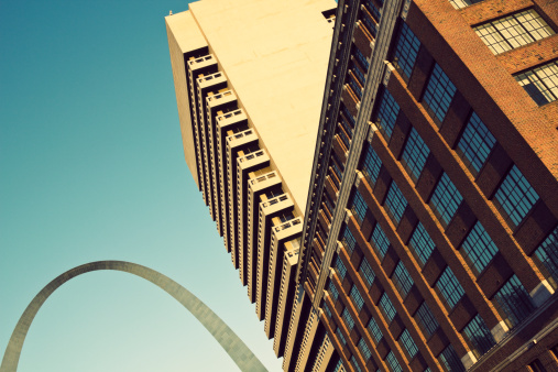 St「USA, Missouri, St. Louis, Low angle view of skyscraper」:スマホ壁紙(13)
