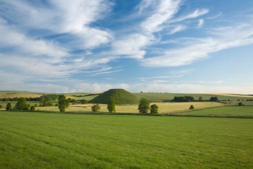 Ancient Civilization「Silbury Hill. Near Avebury. Wiltshire. England. UK.」:スマホ壁紙(9)