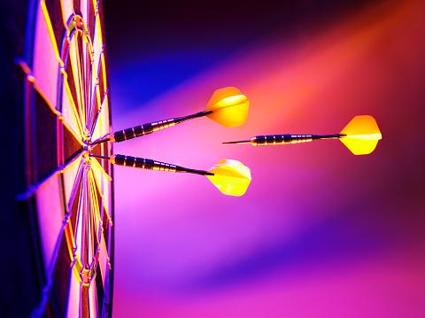 Sports Target「Light up the Target in Darts」:スマホ壁紙(2)