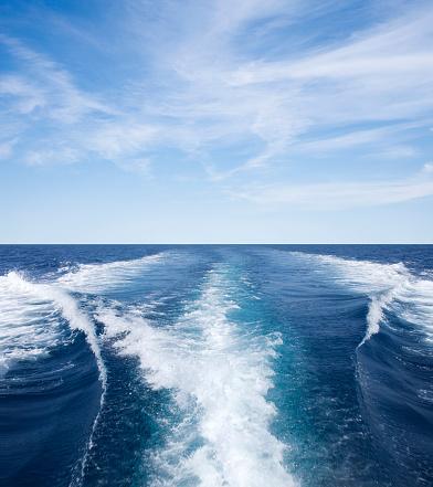 波「ウェイクウェイブズが作成したボート」:スマホ壁紙(2)