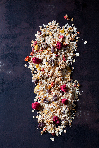 Dried Food「Fruit granola with dried raspberries, strawberries and cranberries」:スマホ壁紙(9)