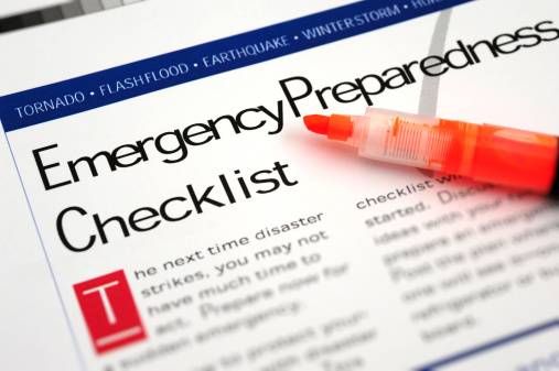 Accidents and Disasters「Emergency Checklist」:スマホ壁紙(9)
