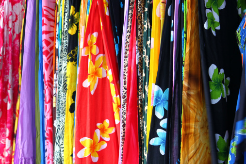 Skirt「Colorful Skirts in Traditional Hawaii textiles Background」:スマホ壁紙(7)