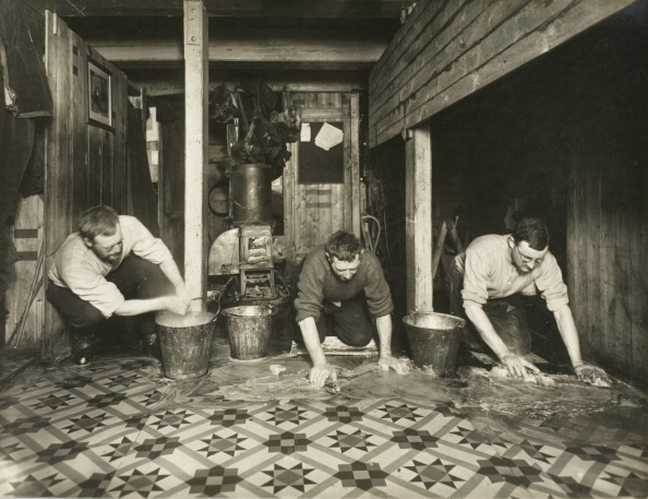 Tiled Floor「Bi-Weekly Ablutions Of 'The Ritz'」:写真・画像(15)[壁紙.com]