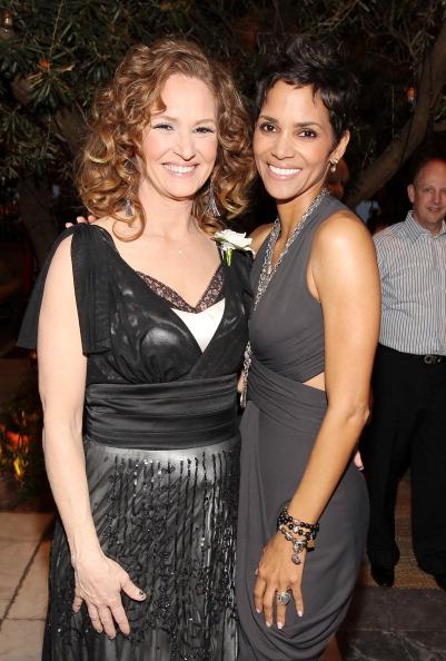 Pre-Party「Fourth Annual Women In Film Pre-Oscar Cocktail Party - Inside」:写真・画像(1)[壁紙.com]