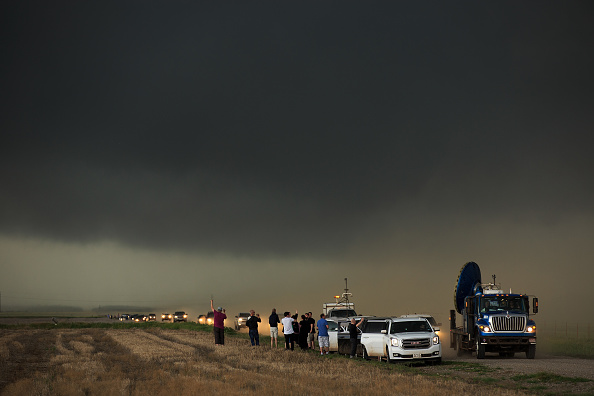 Drew Angerer「Center For Severe Weather Research Scientists Search For Tornadoes To Study」:写真・画像(9)[壁紙.com]