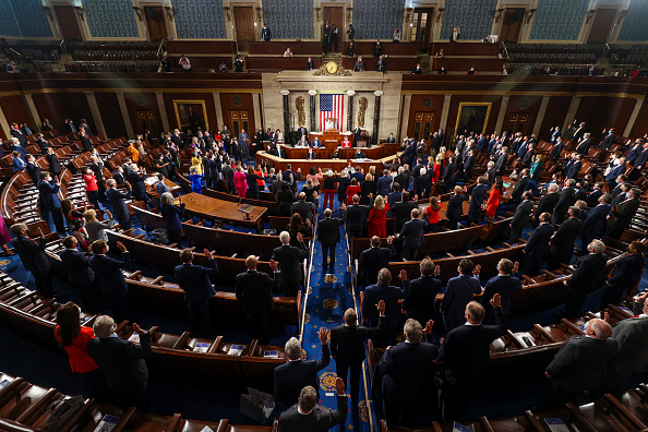 Capitol Hill「The U.S. House Of Representatives Convenes 117th Congress, Swears In New Members」:写真・画像(6)[壁紙.com]