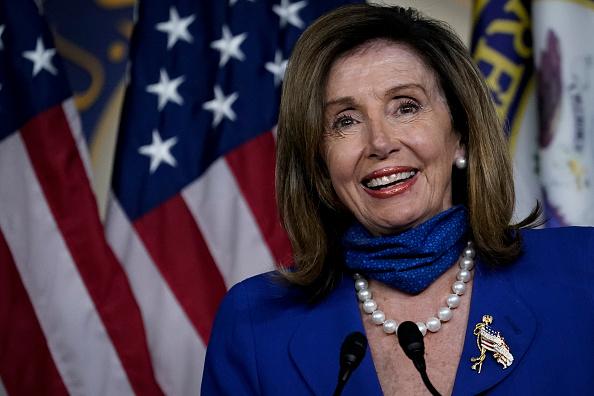 Smiling「Pelosi, House Democrats Hold Press Conference On Child Care Legislation」:写真・画像(15)[壁紙.com]