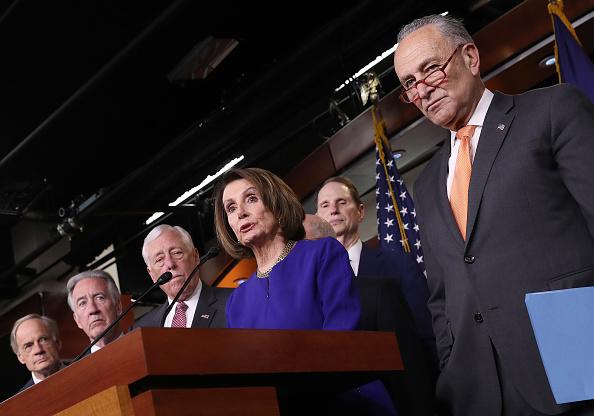 Press Room「Speaker Pelosi And Senate Democratic Leader Sen. Schumer Speak On Capitol Hill After President Trump Speaks On Mueller Report」:写真・画像(4)[壁紙.com]