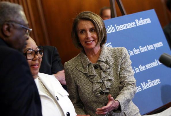 Insurance「Speaker Pelosi And House Democratic Leaders Discuss Health Insurance Reform」:写真・画像(18)[壁紙.com]