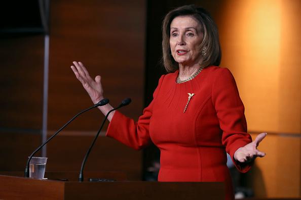 US President「Speaker Pelosi Speaks To The Press In Weekly News Conference」:写真・画像(16)[壁紙.com]