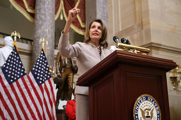 Politics「Speaker Nancy Pelosi Hosts Women's History Month Reception Honoring The Space Program's Female Mathematicians」:写真・画像(4)[壁紙.com]