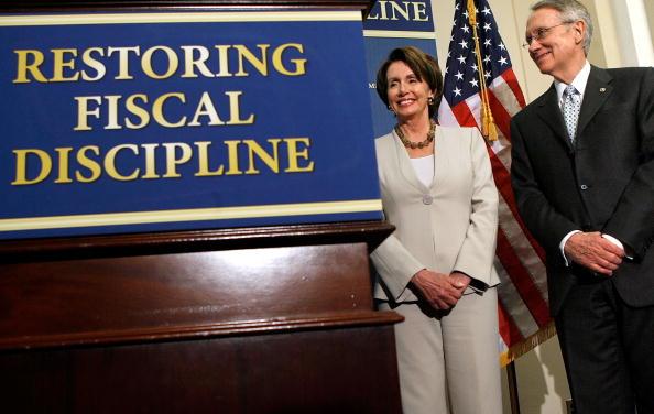 Middle Class「Congress Approves $2.9 Trillion Budget Plan」:写真・画像(14)[壁紙.com]