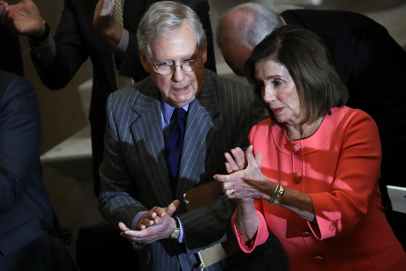Politics and Government「Speaker Pelosi Announces Impeachment Managers, Signs And Transmits Articles To Senate For Trial」:写真・画像(4)[壁紙.com]