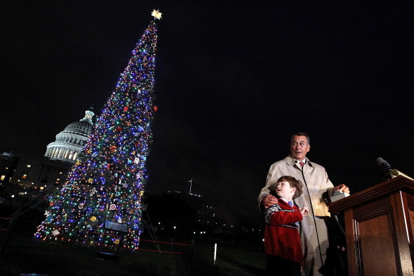 Stanislaus National Forest「Lawmakers Attend Capitol Christmas Tree Lighting Ceremony」:写真・画像(10)[壁紙.com]