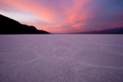 Death Valley Desert「Death Valley at sunset, California, America, USA」:スマホ壁紙(12)