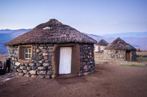 Lesotho「Basotho huts」:スマホ壁紙(8)