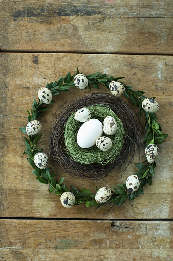 イースター「Easter wreath and Easter nest with goose egg and quail eggs」:スマホ壁紙(10)