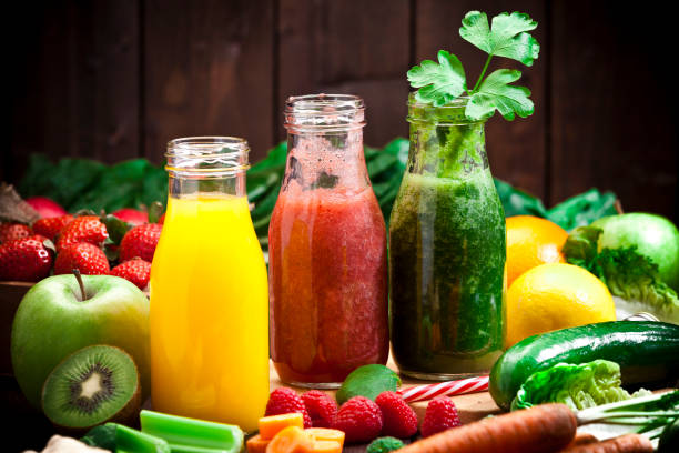 Three fruits and vegetables detox drinks:スマホ壁紙(壁紙.com)