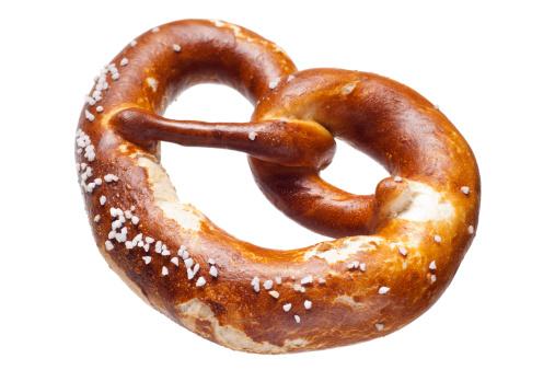 Salt - Seasoning「German bread pretzel on a white background」:スマホ壁紙(1)